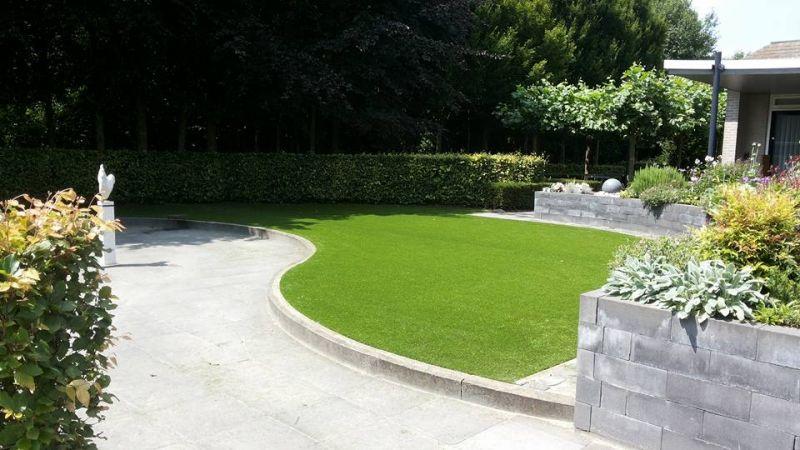 Kunstgras op terras with kunstgras op terras kunstgras for Ondergrond zwembad tuin
