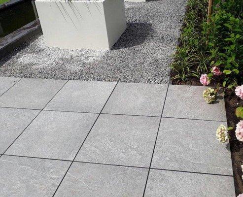Keramische Tegels Oprit.Keramischet Tegels 4cm Op Beton Van Den Broek Bestratingen