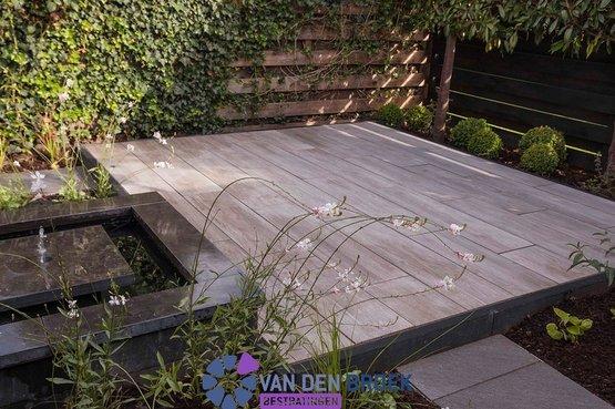 Goedkoop Tuin Tegels : Vlissingen terras aanleg van goedkope tuintegels of hout